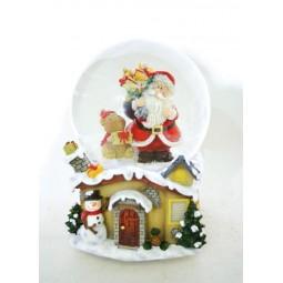 Snow globe Santa with hamster