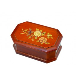High jewelry box with flower