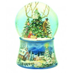 Water globe Christmas tree