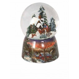 Globe with a winter house and carriage scene