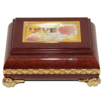 Rectangular jewelry box in wood design