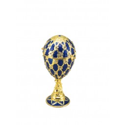 Blue jewelry egg in Fabergé style