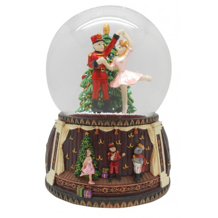 Snow globe nutcracker ballett